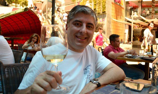 Vinho branco em dia quente