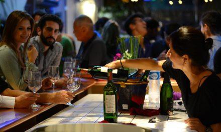 Um bar só de vinhos brasileiros em São Paulo