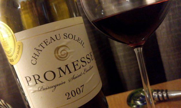 Confraria brinda 1º aniversário do Viva o Vinho