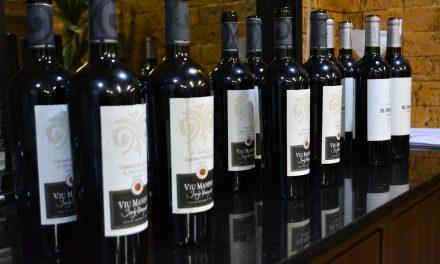 Degustação vertical com vinhos Viu Manent