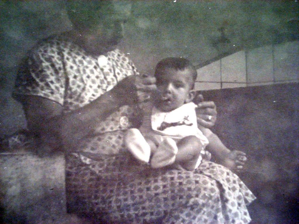 Emanuel no colo da avó Emília - Viva o Vinho