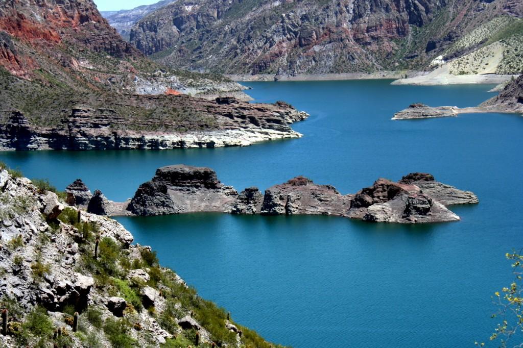 Lago em Mendoza, Argentina