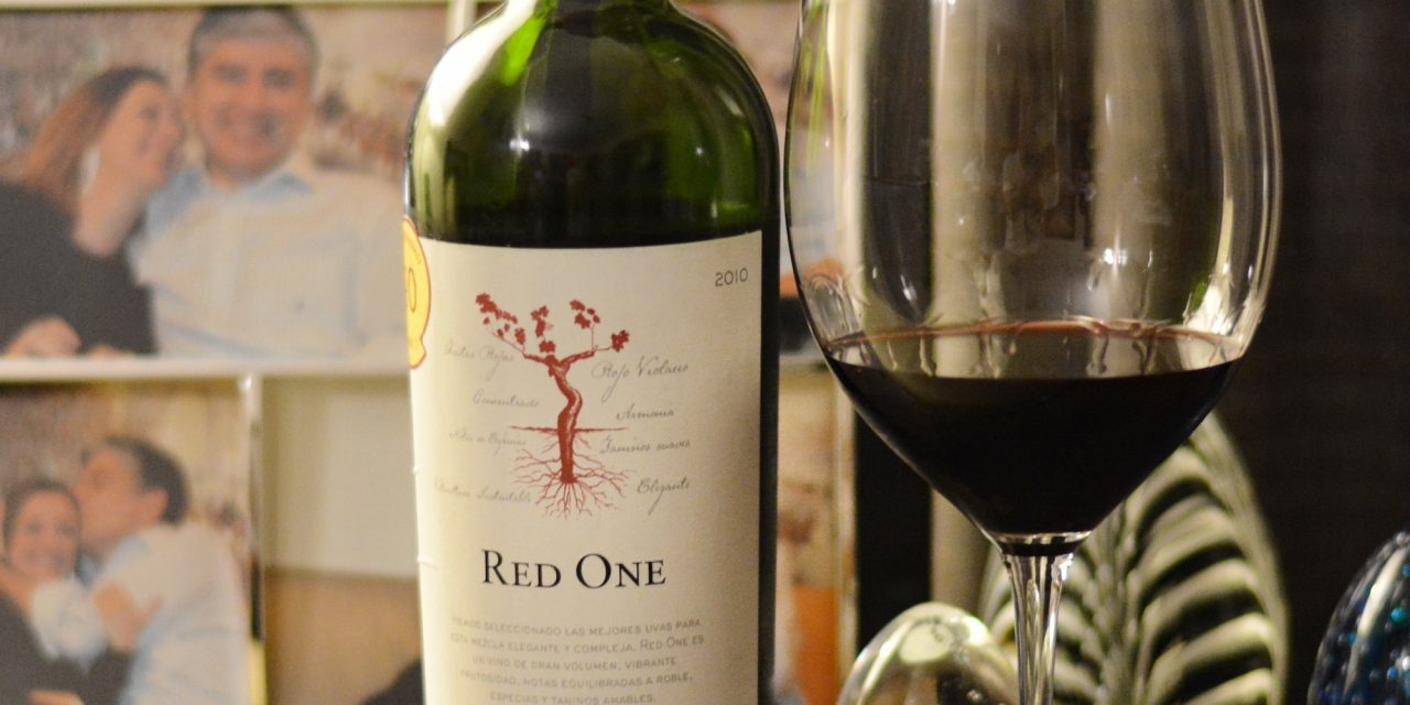 Red One 2010 Chilcas D.O. Valle del Maule
