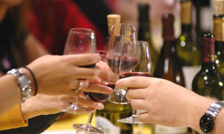 8 benefícios do vinho que você provavelmente desconhece