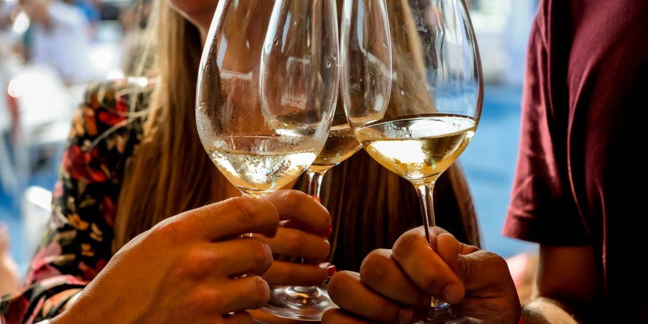 Lisboa e Porto recebem a Hello Summer Wine Party, a festa vínica que celebra o verão!
